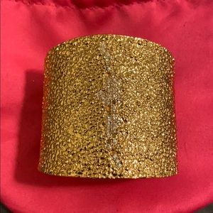Vince Camuto Gold cuff crushed/pave metal design